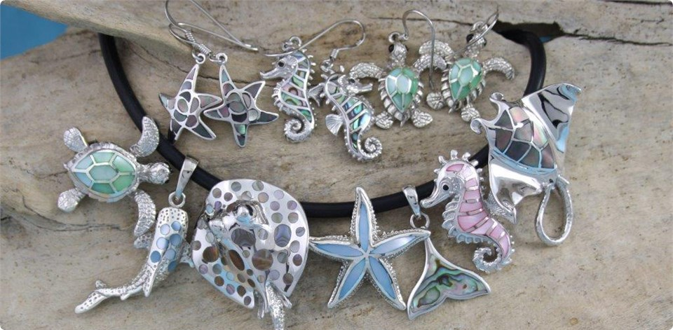 Sea Themed Driftwood Jewellers